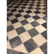 Natuursteen tegels Dambord vloer beige marmer en Turks hardsteen anticato 10x10x1 (Doosinhoud 1 m²)