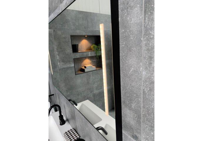 Badkamerspiegel Xenz Pacengo 80x70 cm Industrieel Zwart Frame met Verlichting en Spiegelverwarming